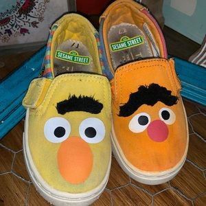 Toms toddler/baby size 7 Bert and Ernie
